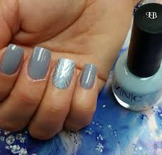 Gray and Blue Nail Art