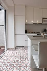 carreaux ciment cuisine cuisine la de r ve en banlieu blanche carreaux ciment