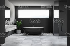 dunklen badezimmer interieur schmale fenster stockfoto und mehr bilder architektur