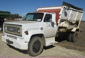1973 Chevrolet C60 Feed Truck | Item K2795 | SOLD! March 11 ... Truck Mount 1981 All Feed Body For Sale Spencer Ia 8t16h0587 Truck Mounted Feed Mixers Big Boy Narrow Used Equipment Livestock Feeders Stiwell Sales Llc Foton Auman 84 40cbm Bulk For Sale Clw5311zslb4 Farm Using 12000 Liters 6tons China Origin Bulk Discharge 1999 Freightliner Fl70 Item Dc7362 Sold May 2001 Mack Cl713 Tri Axle Tanker By Arthur Trovei