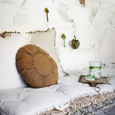 madam stoltz 12 x 17 5cm gold metal monstera leaf pendant wall hanging