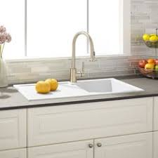 Delta Faucet Lakeview 59963 Sssd Dst by Delta Lakeview Single Handle Pull Down Sprayer Kitchen Faucet With
