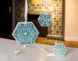 Pewabic Pottery Tiles Detroit by Pbs To Showcase Holiday Handmade At Pewabic Pottery In Detroit