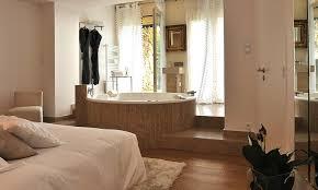 chambre hotel avec une chambre d hôtel avec grande baignoire en day use