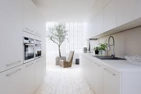cuisine blanche design véranda ronde désign