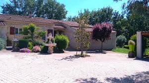 chambre d hote meyreuil villa 80 m 2 chambres propriété avec grand jardin villa