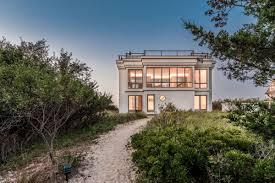 100 Modern Beach Home A Modern Beach House In East Hamptons Northwest Woods Asks 2295M