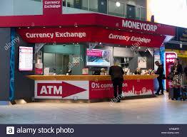 bureau de change dublin airport foreign currency exchange bureau de change stock photos