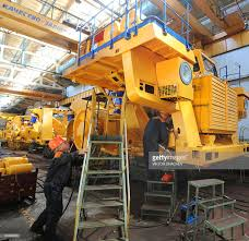 The Brand New World's Biggest BelAZ Dump Pictures | Getty Images Xxl Dump Truck Tire Explodes Like A Cannon In Siberia Aoevolution Bisalloy Unit Rig Builds Australias Largest Top 10 Ming Trucks In The World Pastimers Youtube The Edumper Is Worlds And Most Efficient Electric Zhodino Belarus September 21 2017 Factory Of Quarry Trucks Belaz 75710 Biggest Dumptruck Sabotage Times I Present To You Current Worlds Largest Dump Truck Liebherr T Belaz Video Report Plasma Pinterest Large Industrial Bel Az Stock Photo Edit Now Belaz75710 Carrying Capacity Of First Electric Stores As Much Energy 8 Tesla