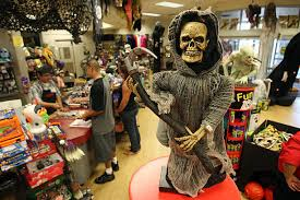 Halloween Town Burbank Ca by Weak Economy Depresses Halloween Sales Photos And Images Getty