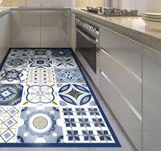 vinyl teppich küche blaue große quadratische fliese