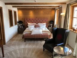 schlafzimmer mit muster im teppich picture of hotel