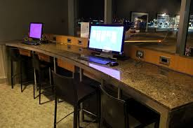 American Airlines Executive Platinum Desk by American Airlines Admirals Club Lounge Los Angeles T4 Lounge Review