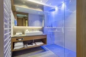edle badezimmer mit 5 sterne standards und getrennten tages