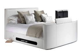 heimkino im schlafzimmer wasserbett integriert