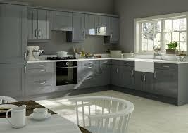 peinture cuisine grise cuisine gris anthracite 56 idées pour une cuisine chic et moderne