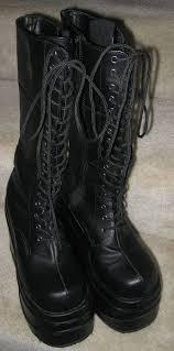 demonia goth punk 5 3 4 inch platform boots size 9 wave 302