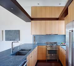 cuisine bois plan de travail noir plan de travail pour cuisine choisir la bonne couleur