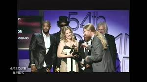 DEREK TRUCKS WINS OVER FELLOW ALLMAN BROTHERS FOR BLUES GRAMMY - YouTube Derek Trucks The Allman Brothers Band Performing At The Seminole 24 Years Ago 13yearold Opens For Brizz Chats With Of Review Tedeschi Jams Familystyle Meadow Brook Needle And Damage Done Gregg Warren Haynes Signed Autograph Electric Guitar Core Relix Media To Exit