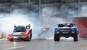 Drag Battle: 850hp Trophy Truck Vs 10,000hp Funny Car - Biser3a