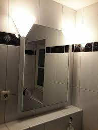 schöner badezimmerspiegel