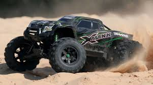 100 Truck Maxx 16 X 4WD Monster Brushless RTR With TSM Green
