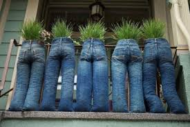 Created By Tom Ballinger At Upcycled Garden Style A Unique And Quirkey Way To Use Up Old Jeans Tie Legs With String Line Bin Liners