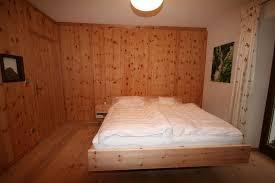 zirbenholz schlafzimmer gsund schlafen und wohnen loferer