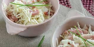 cuisiner le chou blanc en salade salade de chou blanc aux lardons facile et pas cher recette sur