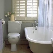 sichtschutz für badfenster fensterläden und fensterdeko