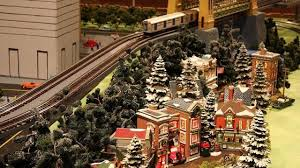 Around The Christmas Tree Lionel Train Set
