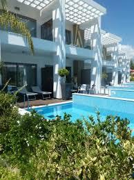 chambre d hotel avec piscine privative chambres avec piscine privée photo de princess andriana resort