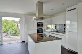 Moderne Weisse Küchen Bilder Offene Küche In Weiß Tipps Und Ideen Für Die Moderne