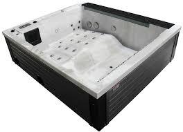baignoire balneo pas cher spa interieur pas cher promo spa