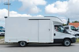 100 Truck Courier Iveco Daily LAMBox Courier Truck Lamar