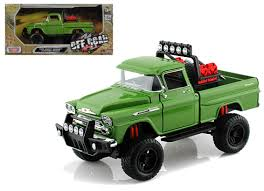 100 Diecast Truck Models 1958 Chevrolet Apache Fleetside Pickup Off Road Green 124