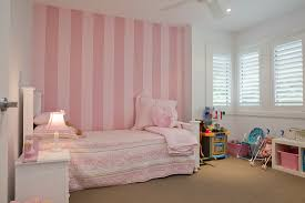 romantisches mädchenzimmer in rosa und bild kaufen