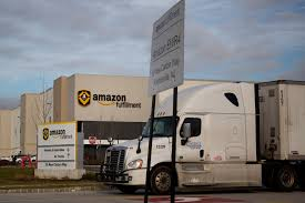 100 Cowen Truck Line Amazon Gives FedEx And UPS More Reasons To Worry Bloomberg
