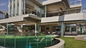 100 Contemporary Glass Houses Remarkable Modern Bedroom House Surrounded Large Green