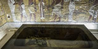 la chambre secrete la présence d une chambre secrète dans le tombeau de toutankhamon
