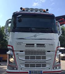 100 Volvo Truck Center VOLVO FH 8x2 540cv Grue PK78002 Tpts