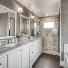 75 badezimmer mit weißen schränken und doppeldusche ideen