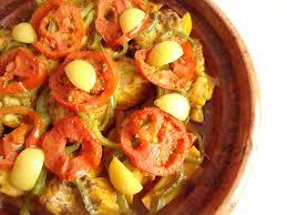 cuisiner avec un tajine en terre cuite tagine de poisson pommes de terre et carottes maryse cocotte