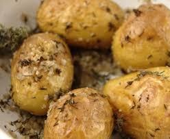 comment cuisiner les pommes de terre de noirmoutier petites pommes de terre au sel et aux herbes recette de petites