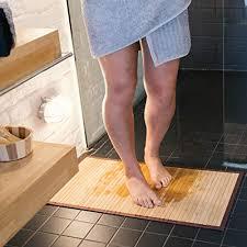 navaris rutschfeste bambusmatte für das badezimmer rechteckige holz mehrzweckmatte für die duschküche korridor flur halle 83x43cm