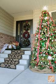 Outdoor Christmas Decorating Ideas Front Porch by 132 Best Front Door Porch Christmas Decor Images On Pinterest