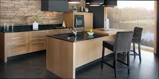 image de cuisine contemporaine cuisine bois et noir collection avec cuisine bois contemporaine
