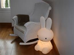 fauteuil maman pour chambre bébé une chambre de bébé garçon poulette