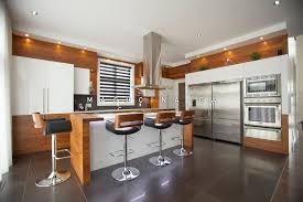 image de cuisine contemporaine 5 caractéristiques d une cuisine contemporaine macucina armoires
