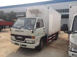 100 Freezer Truck China Dongfeng Van 4X2 Refrigerated